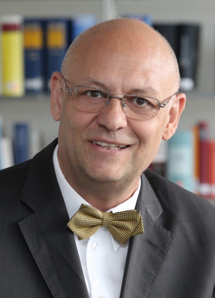 Dr. Peter Meides