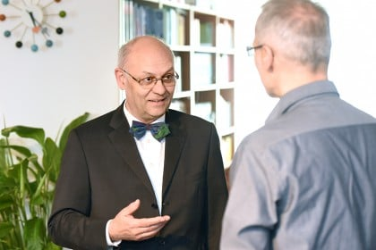 Arbeitsrecht Frankfurt, Arbeitsvertragsrecht, Beratung Unternehmer, leitende Angestellte (014)