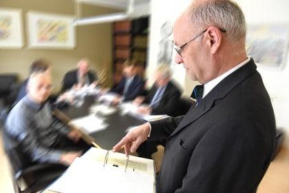 Gesellschaftsrecht, Beratung zu GmbH u. AG - Recht (056)