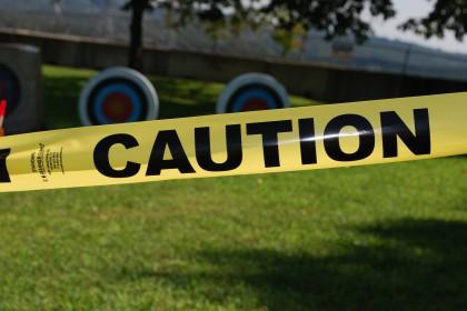 Strafanzeige gegen Arbeitgeber : caution, Achtung (caution)