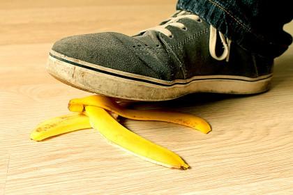 Freiwillig und jederzeit widerruflich : Bananenschale, Schuh (banana-peel)